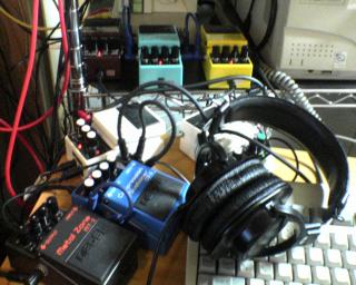 現在のセット:NS-2→CS-3→MT-2(ギター用)、OC-3→LMB-3→ODB-3(ベース用)、LS-2(ミキサーとして使用)